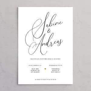 Bryllupsinvitation Calligraphy Pocketfold Bundle - stilren og klassisk bryllupsindbydelse med brudeparrets navne i kalligrafi med guldhjerte