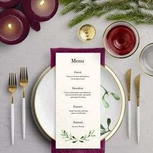 Mistletoe menukort på akvarelpapir - Perfekt egnet til det nordiske vinterbryllup med mørke aftentimer og frostdækket landskab.