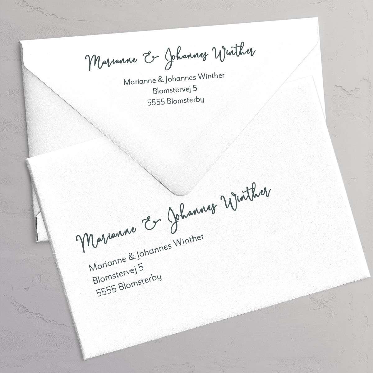 Gæsters adresse og returadresse på kuverterne - Golden Eucalyptus