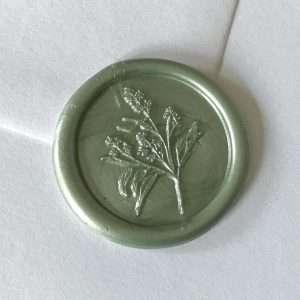Laksegl Branches Sage / salviegrøn med grene og vilde blomster